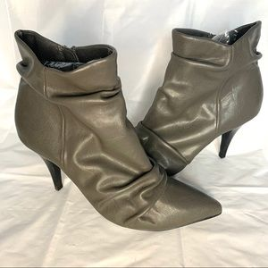 Gray leather-look booties - with heel